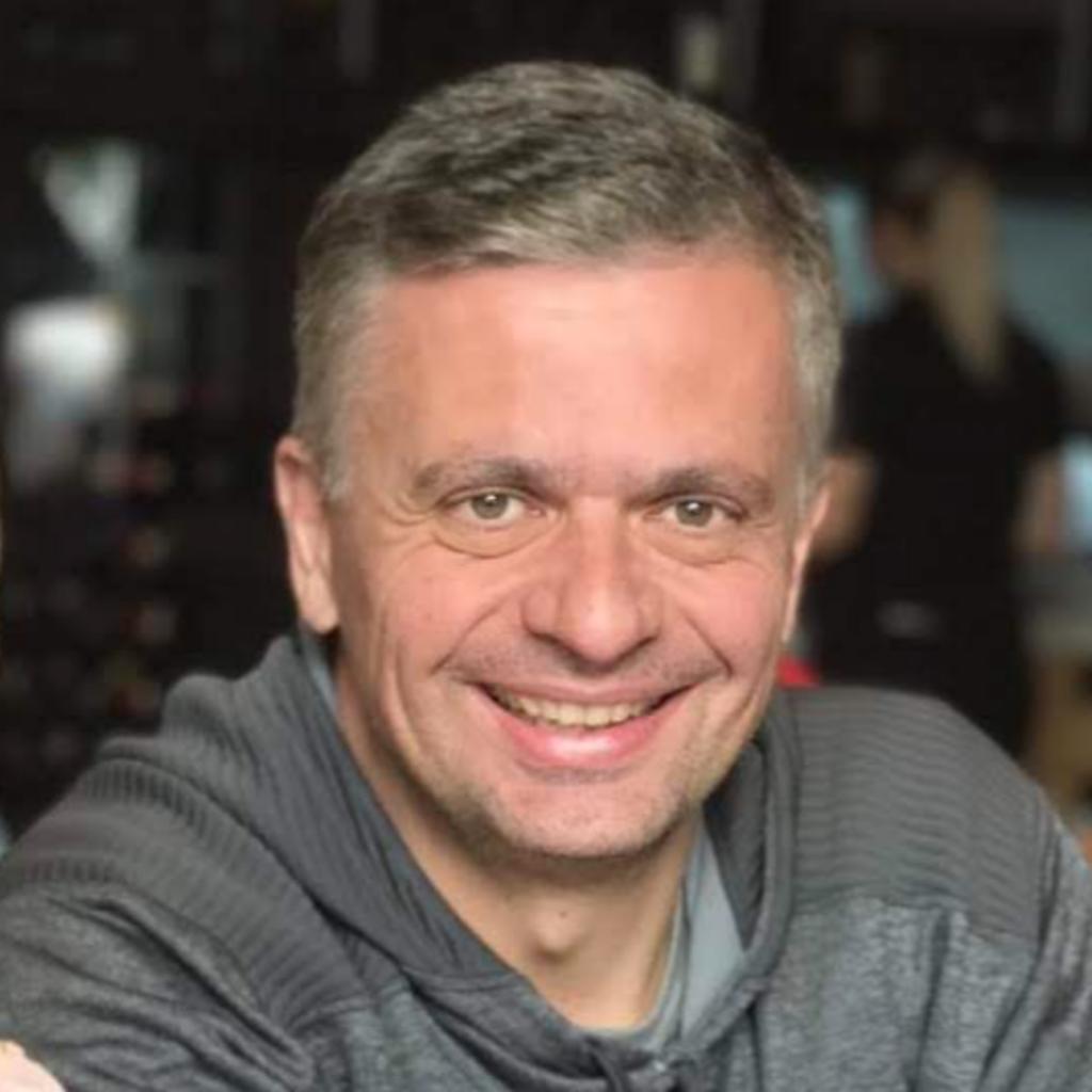 Auro Iasi, Senior Finance Manager